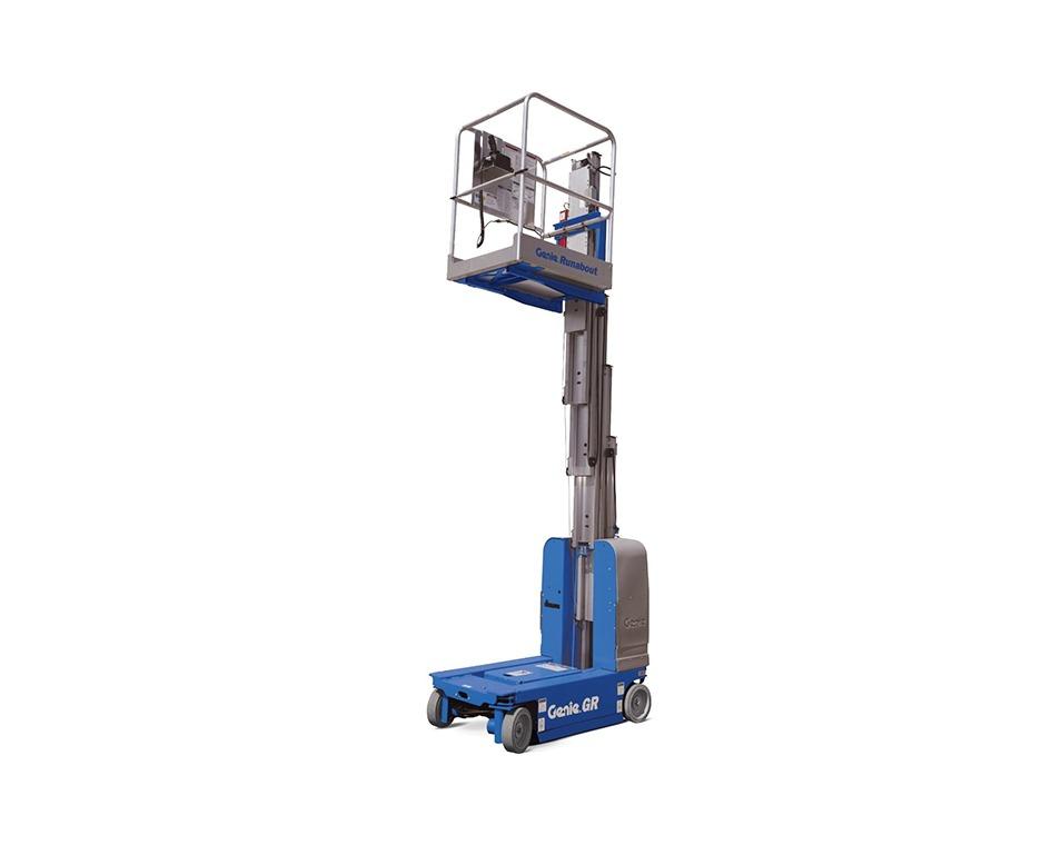 Monte charge 15 pi capacité 700 lbs
